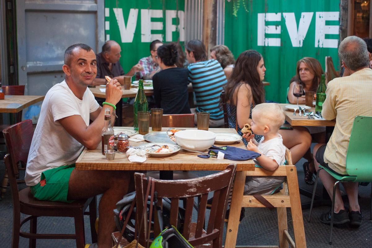 robertas-restaurant-robertiaga-8
