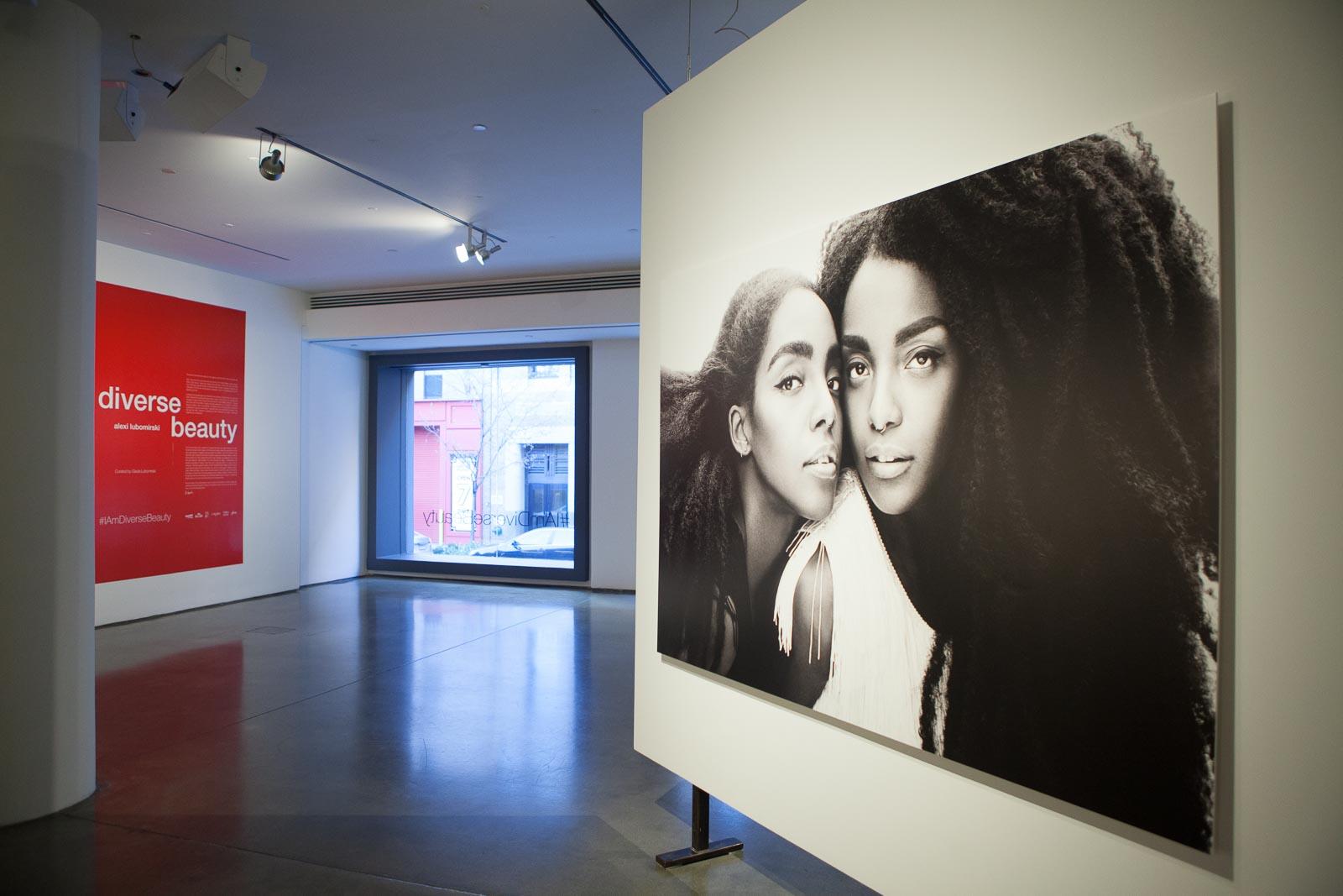 alexi-lubomirski-diverse-beauty-exhibition-robertiaga-8